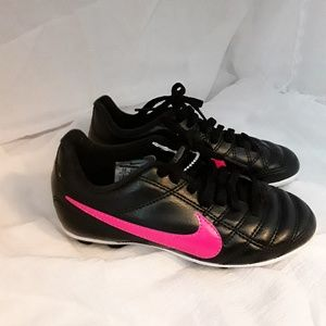 Girl's Nike Cleats - Kid's Size 11